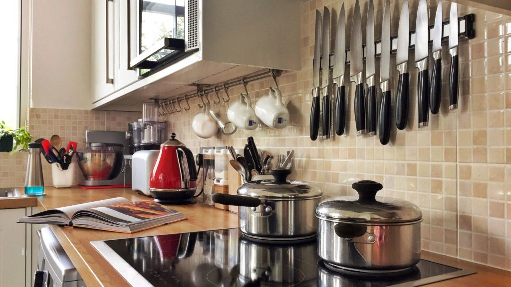 How to Create a Tidy & Organized Kitchen